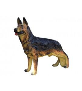 Pes vlčák stojící