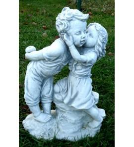 Zahradní socha chlapeček s holčičkou