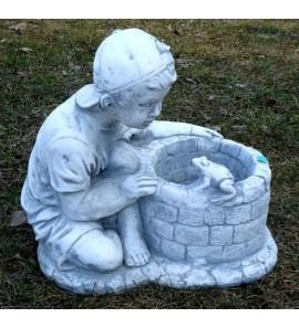 Chlapec u studny